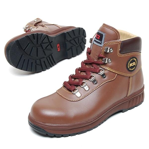 Kiểu dáng cực kỳ nam tính của giày K2