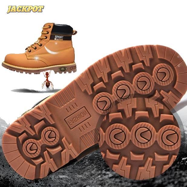 Trọng lượng nhẹ hơn giày bảo hộ da bình thường